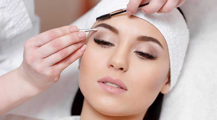 Get the perfect eyebrow shape at Mon Visage in Farnham